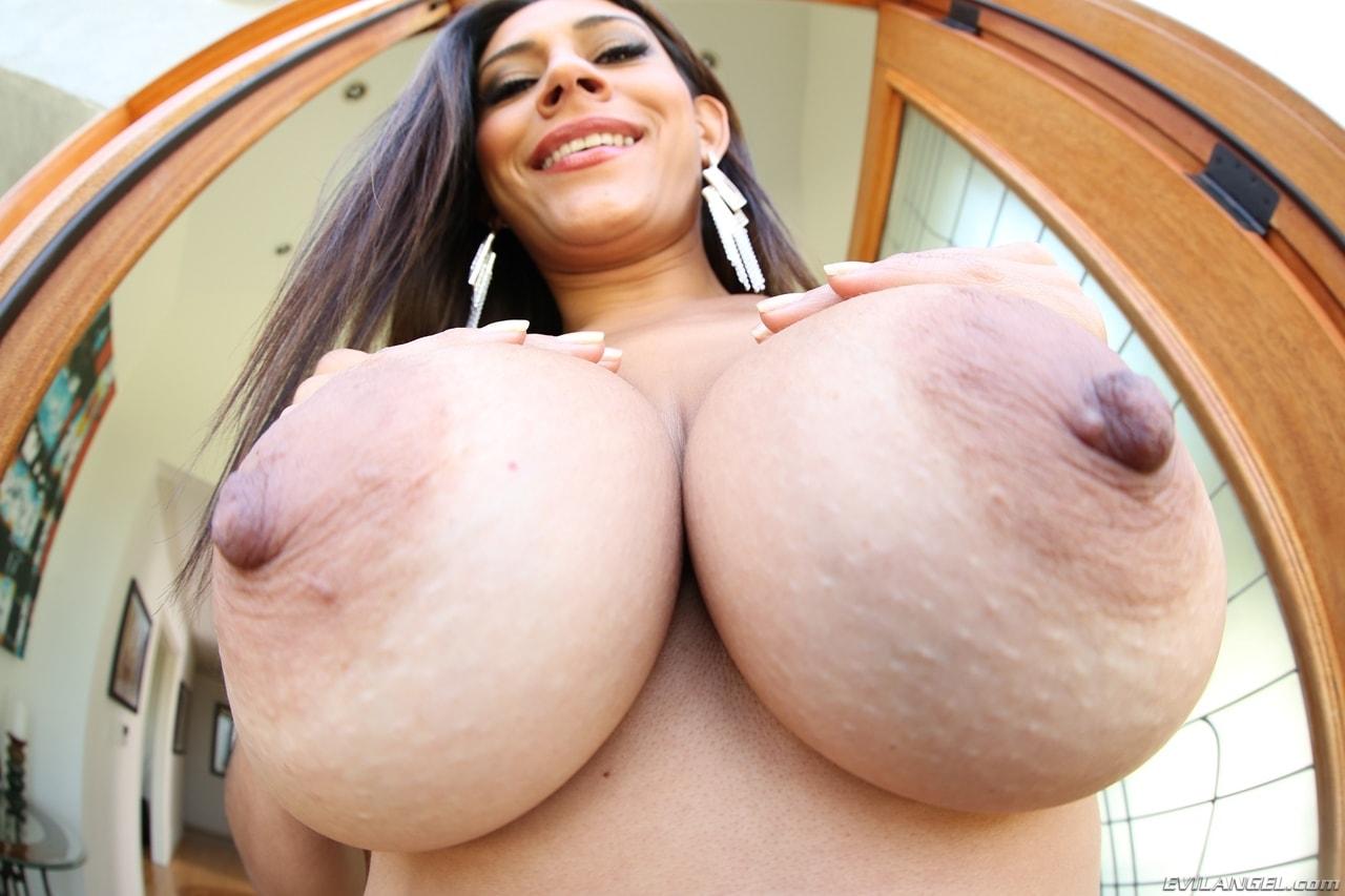 Секс большие сисъки в мире, Большие сиськи, большая грудь и дойки смотреть 5 фотография