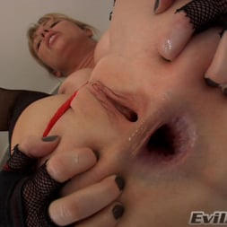 Adrianna Nicole in 'Evil Angel' Ass Wide Open (Thumbnail 9)