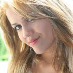 Adrianna Nicole in 'Evil Angel' Buttman Focused (Thumbnail 6)