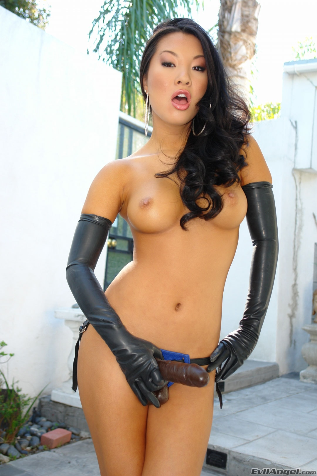 Evil Angel 'Strap Attack 10' starring Asa Akira (Photo 7)