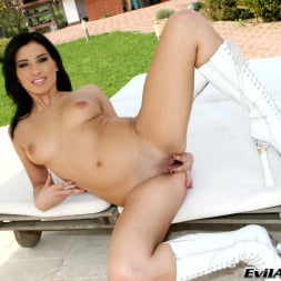 Bella B in 'Evil Angel' Ass Traffic 8 (Thumbnail 18)