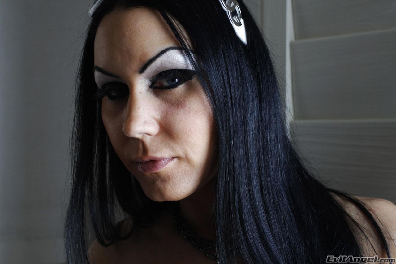 Evil Angel 'Stretch Class 4' starring Bella DellaMorte (Photo 1)