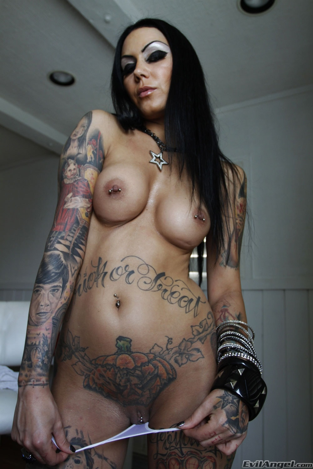 Evil Angel 'Stretch Class 4' starring Bella DellaMorte (Photo 30)