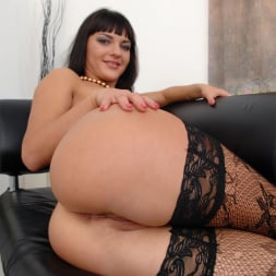 Bella Russa in 'Evil Angel' Lil Gaping Lesbians 4 (Thumbnail 300)