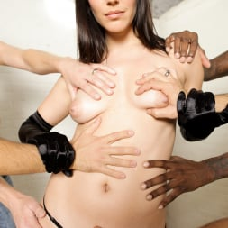 Bobbi Starr in 'Evil Angel' Vicarious (Thumbnail 12)