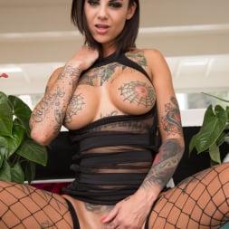 Bonnie Rotten in 'Evil Angel' Tattooed Anal Sluts (Thumbnail 8)