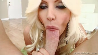 Brittany Andrews in 'MILFs Suck! 02'