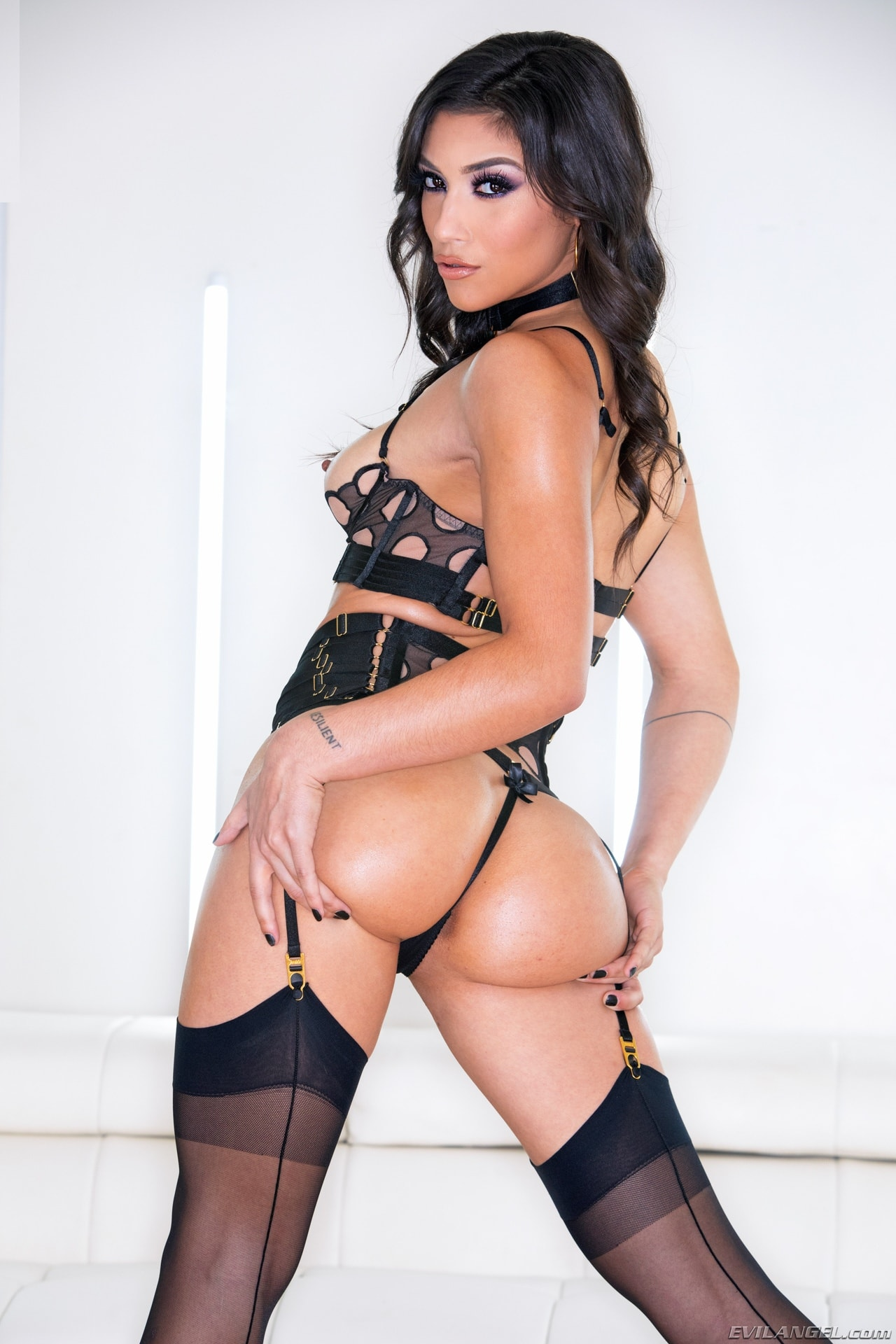 Evil Angel 'All About Ass 4' starring Brooklyn Gray (Photo 9)