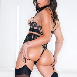 Brooklyn Gray in 'Evil Angel' All About Ass 4 (Thumbnail 9)