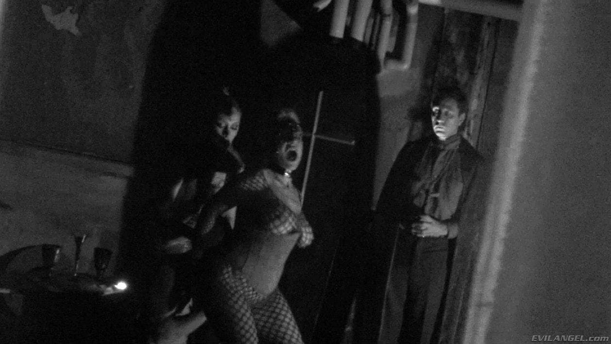 Evil Angel 'Voracious - Season 01 Episode 10' starring Brooklyn Lee (Photo 4)