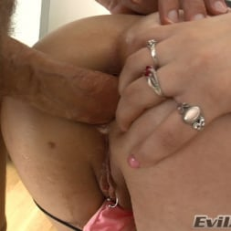 Charlotte Vale in 'Evil Angel' Ass Wide Open (Thumbnail 5)