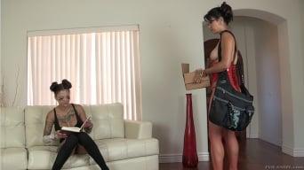 Dana Vespoli in 'Twisted Lesbian Anal Spit Play'