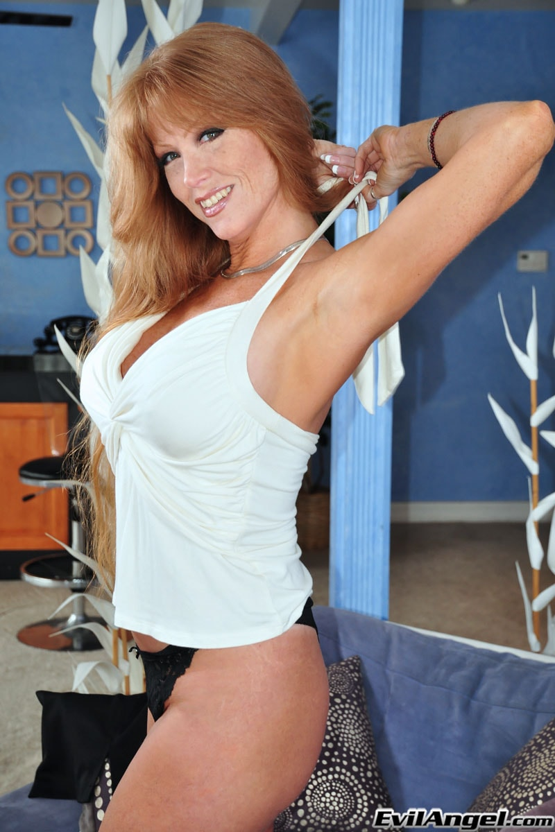 Evil Angel 'The Mommy X-Perience' starring Darla Crane (Photo 8)