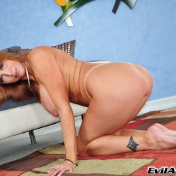 Darla Crane in 'Evil Angel' The Mommy X-Perience (Thumbnail 22)