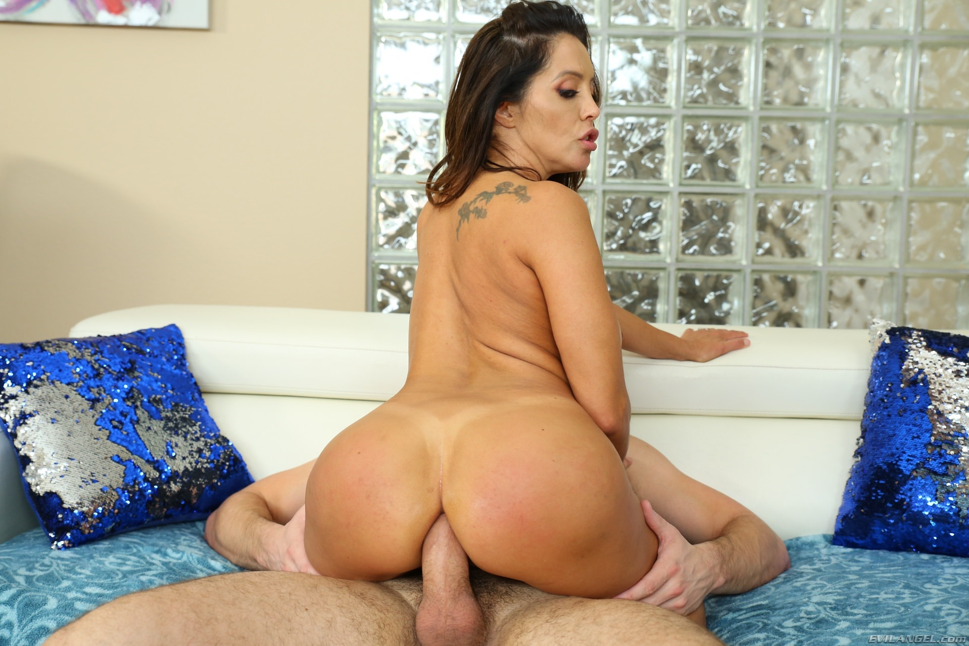 Evil Angel 'Is A HotWife 3' starring Francesca Le (Photo 4)