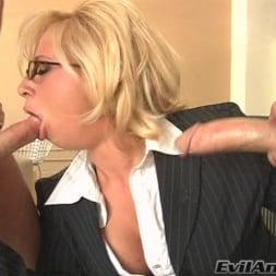 Georgia Peach in 'Evil Angel' Wet Food 01 (Thumbnail 8)