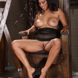 Isis Love in 'Evil Angel' Femdom Ass Worship 5 (Thumbnail 15)