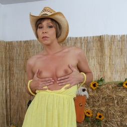 Julie Night in 'Evil Angel' Deep Anal Abyss 4 (Thumbnail 32)
