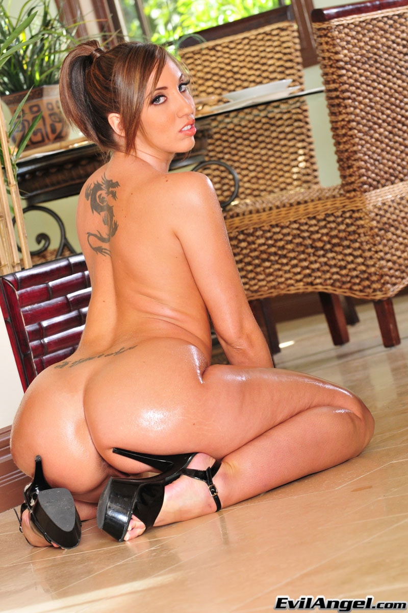 Evil Angel 'Jet Black Fuel 3' starring Kelly Divine (Photo 14)
