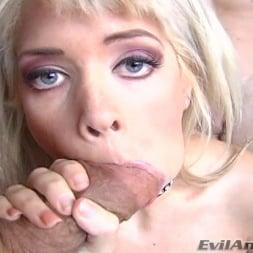 Kissy Kapri in 'Evil Angel' Wet Food 01 (Thumbnail 10)