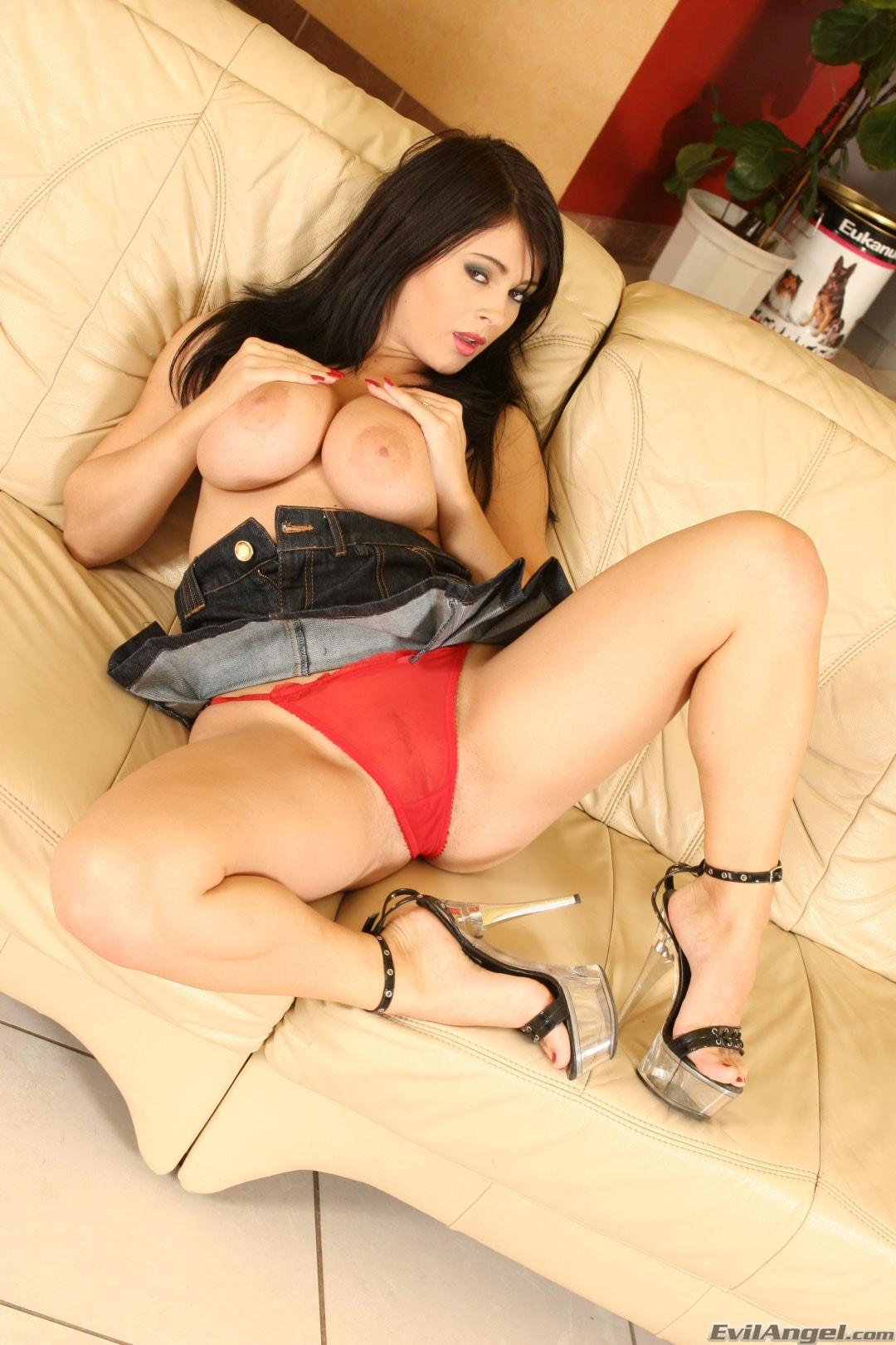 Evil Angel 'Big Natural Tits 17' starring Kristi Klenot (Photo 2)