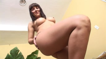 Maria Bellucci in 'Panty Pops 5'