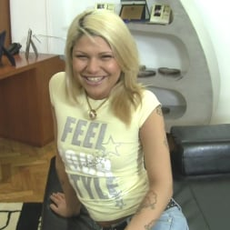 Maya Bee in 'Evil Angel' Rocco's POV 4 (Thumbnail 5)