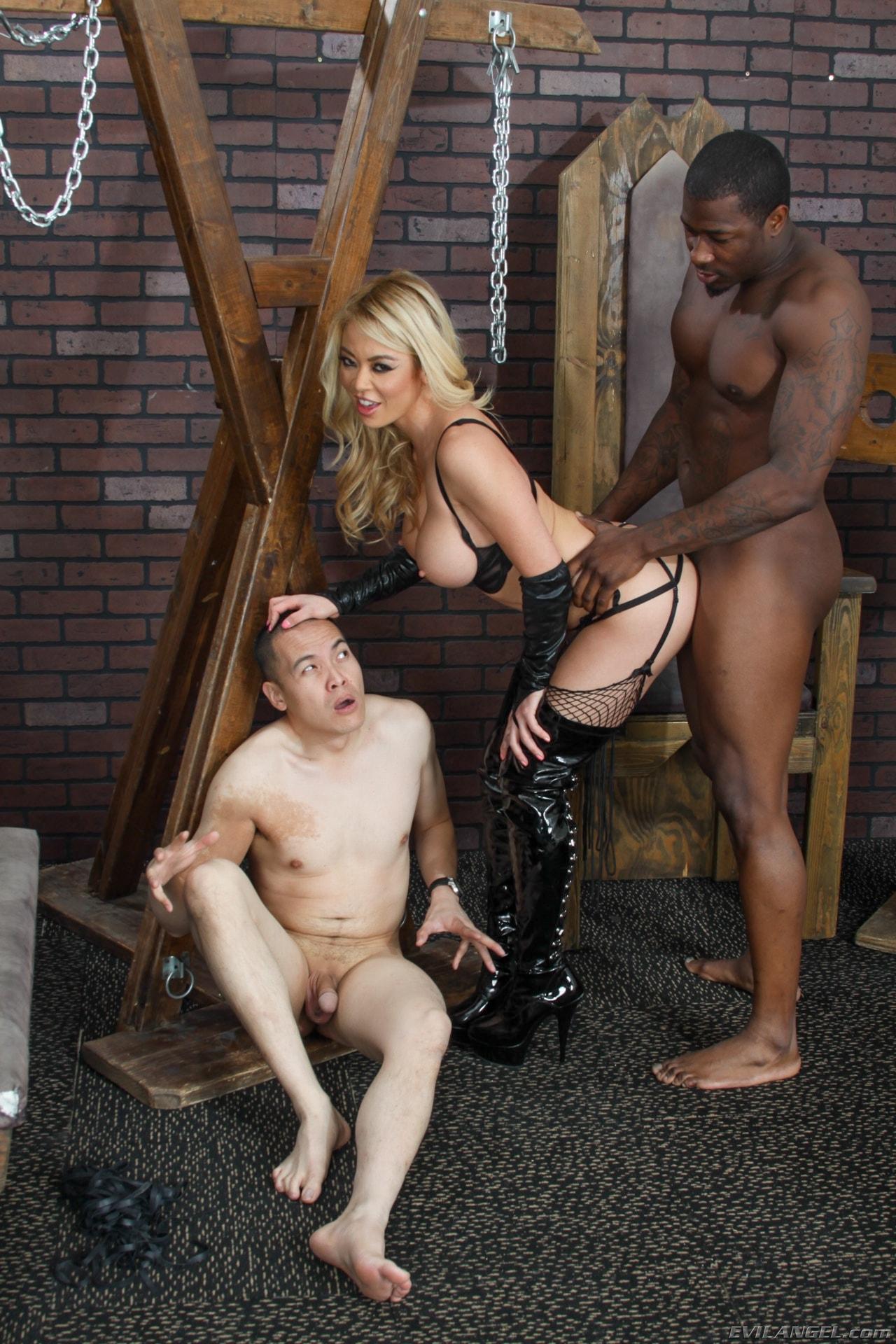 Free femdom cuckold strapon interracial porn — photo 15