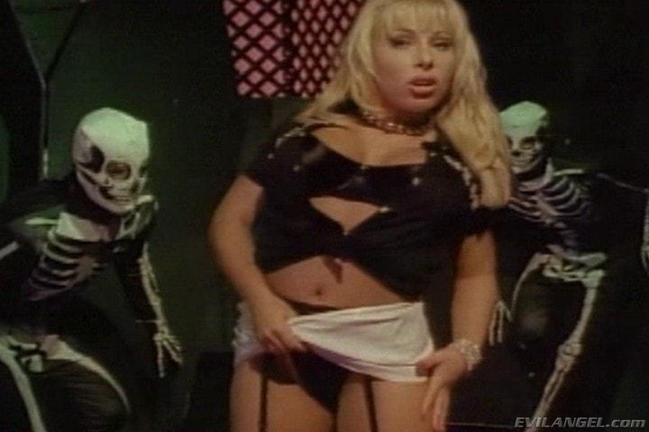 Evil Angel 'Sex Freaks' starring Nick East (Photo 1)