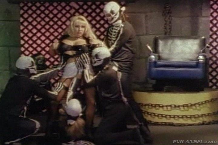 Evil Angel 'Sex Freaks' starring Nick East (Photo 2)