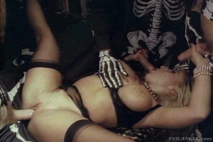 Evil Angel 'Sex Freaks' starring Nick East (Photo 7)