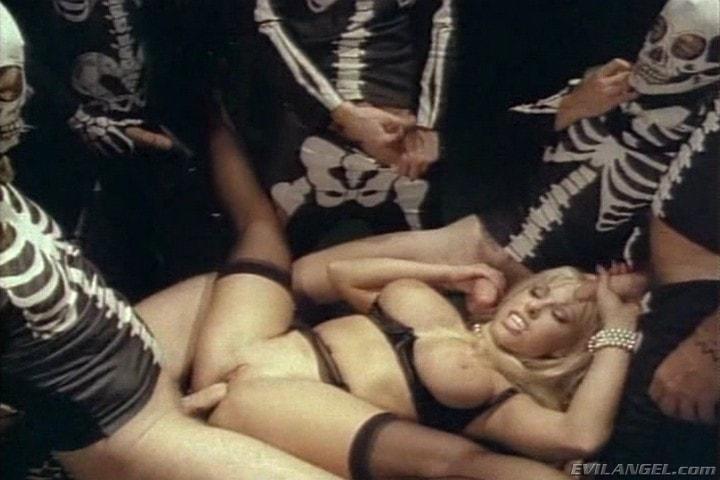 Evil Angel 'Sex Freaks' starring Nick East (Photo 10)