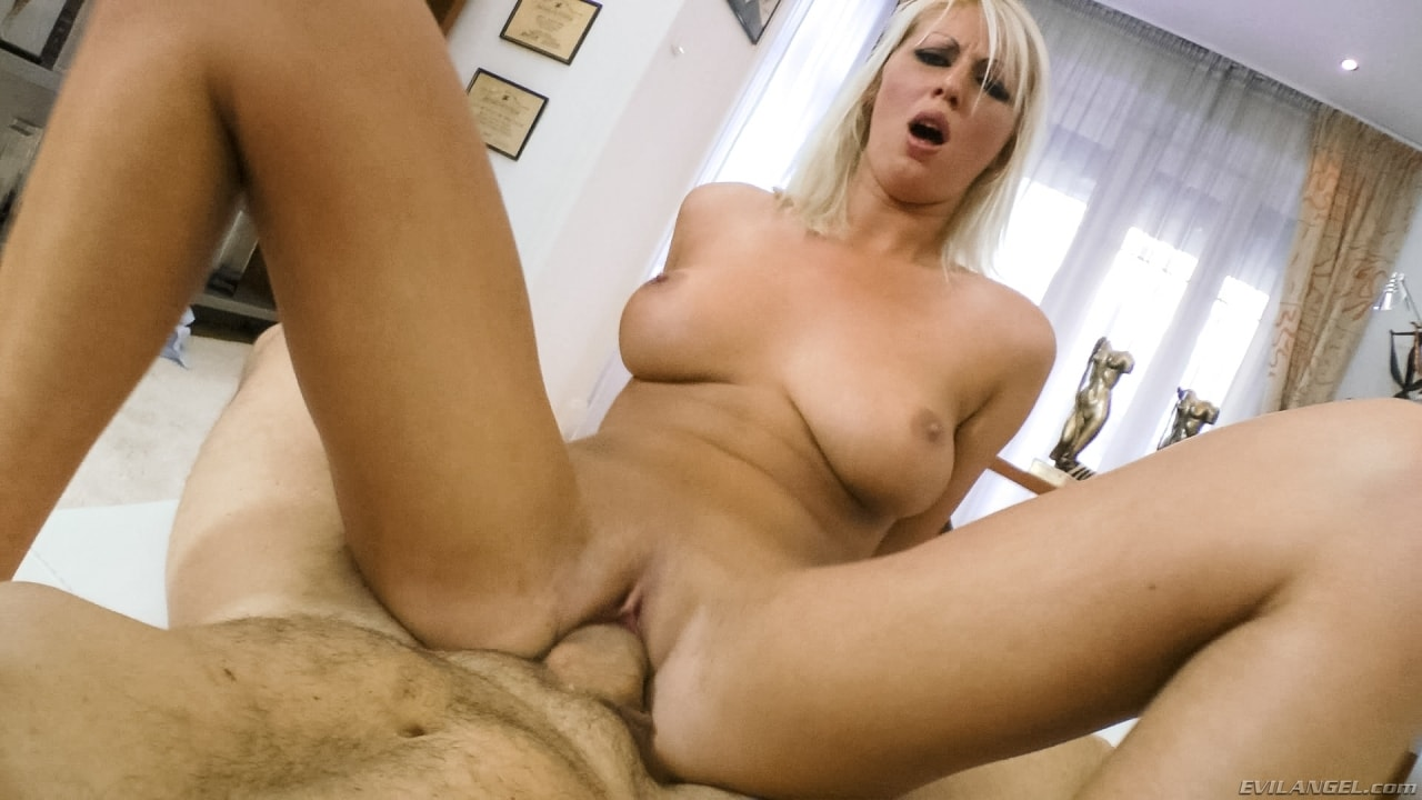Evil Angel 'Rocco's POV 19' starring Pamela D (Photo 9)