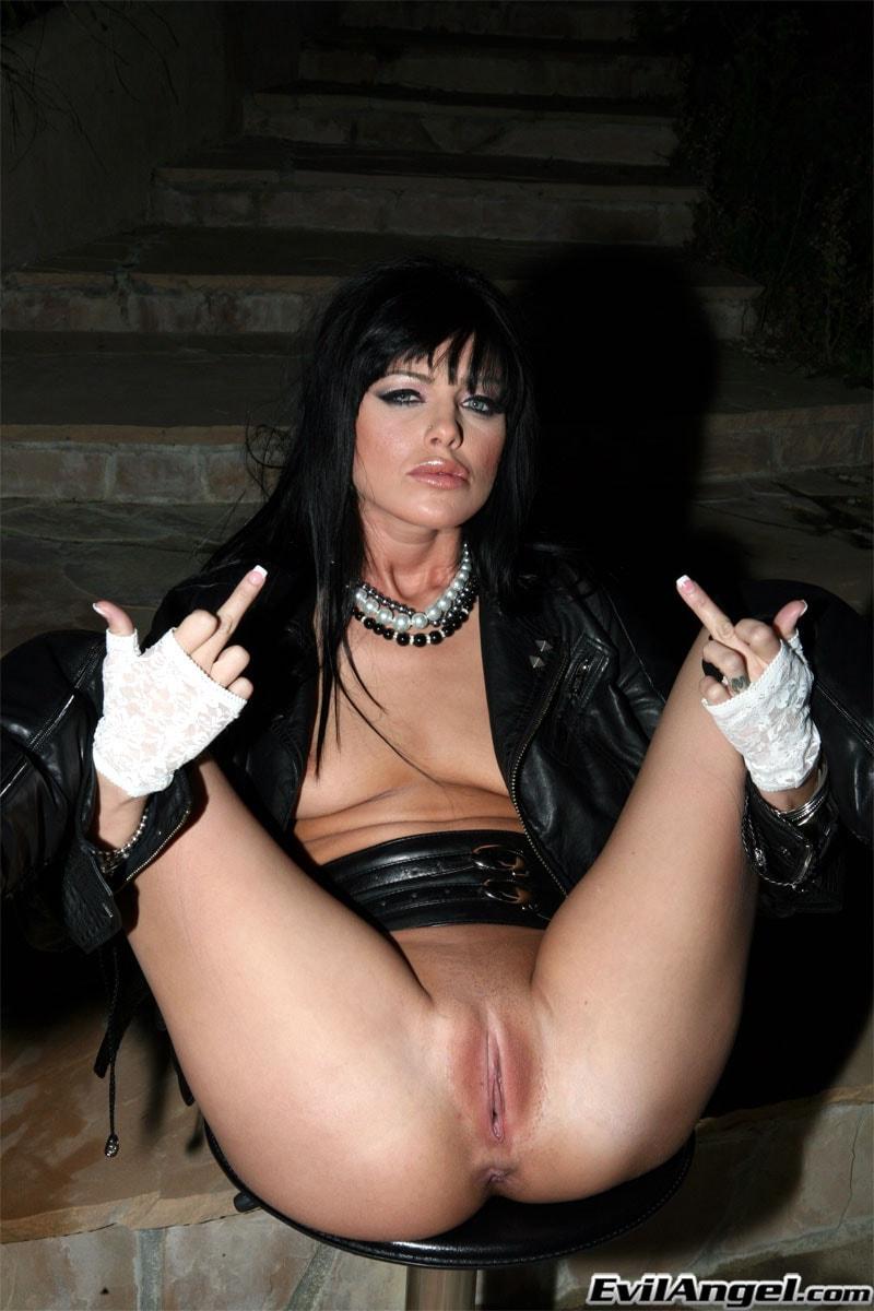 Evil Angel 'Live Nude Girls' starring Sadie West (Photo 6)