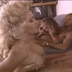 Tiffany Mynx in 'Evil Angel' Face Dance 01 (Thumbnail 22)