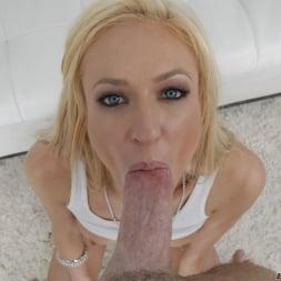 Victoria White in 'Evil Angel' California Anal Girls POV (Thumbnail 24)